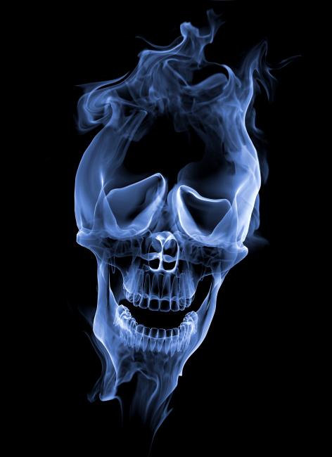 烟与骷髅头高清图片