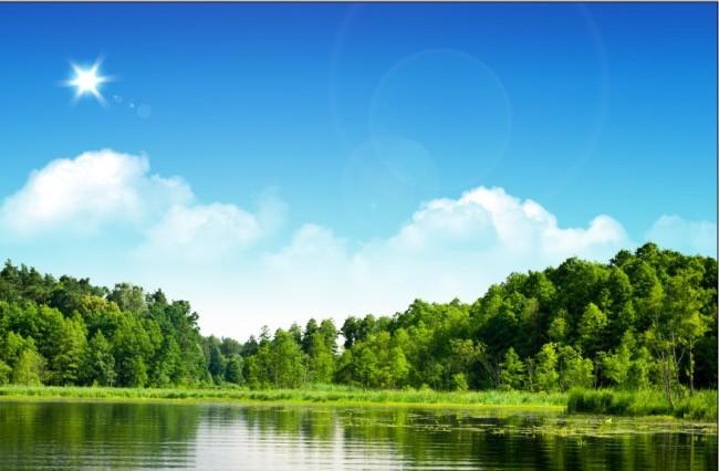 蓝天白云太阳 树水 大自然